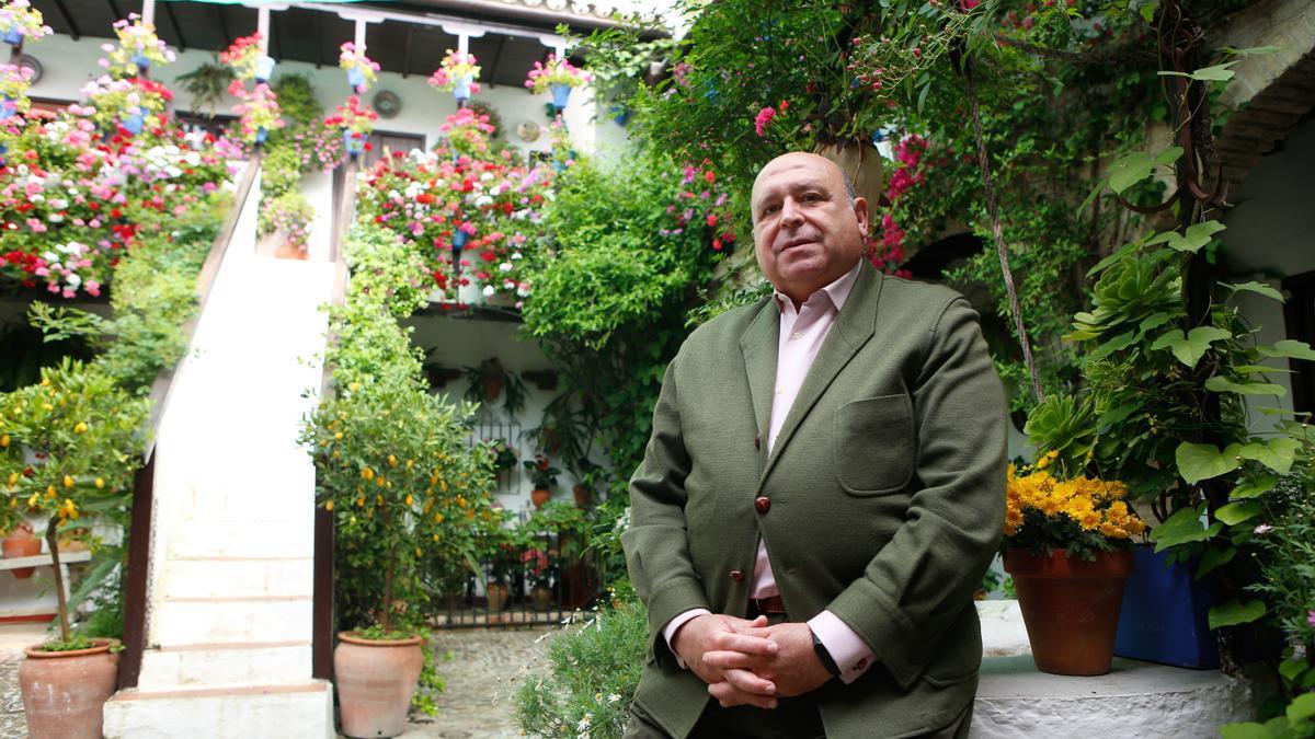 Miguel Ángel Roldán en la sede de la asociación.