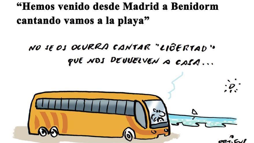 """""""Hemos venido desde Madrid a Benidorm cantando 'Vamos a la playa'"""""""