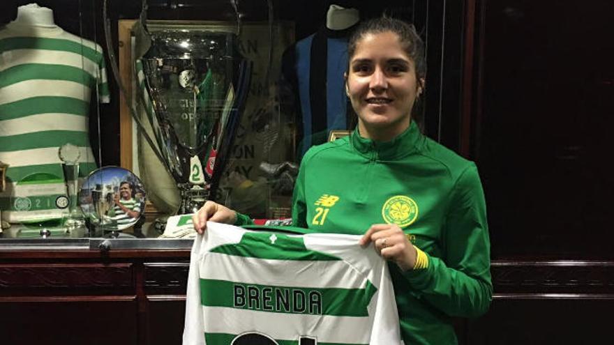 Brenda, presentada con el Celtic