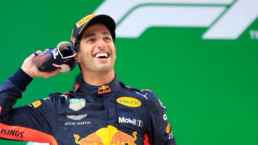 Ricciardo sorprèn a la Xina i Alonso acaba setè