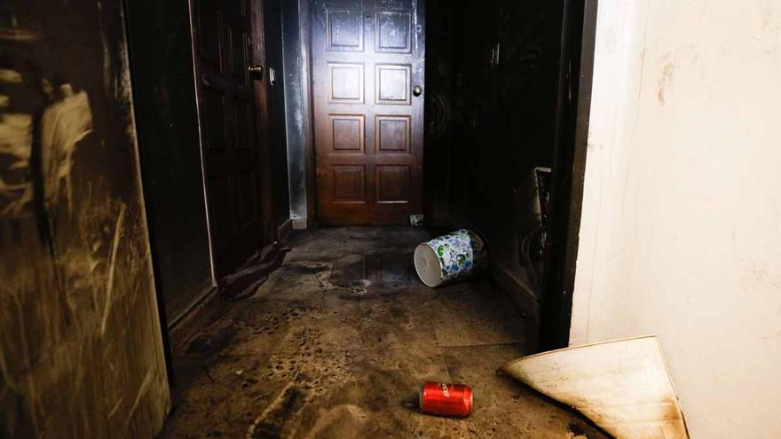 El incendio en un piso de Sant Antoni obliga a desalojar a 30 personas