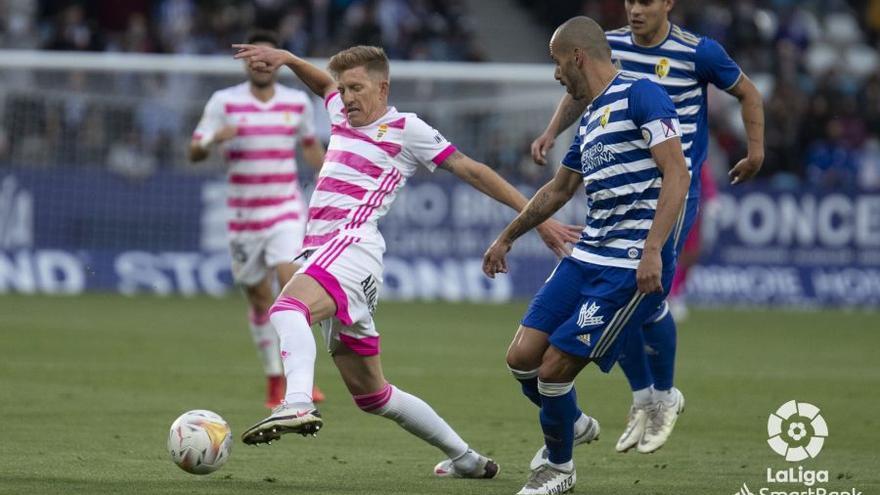 El Oviedo gana en Ponferrada y Ziganda coge aire