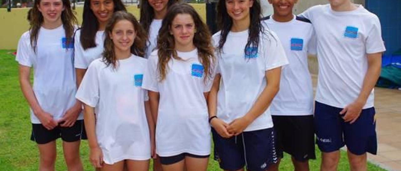 El Club Natació Ontinyent arrasa en el III Trofeo Delfín
