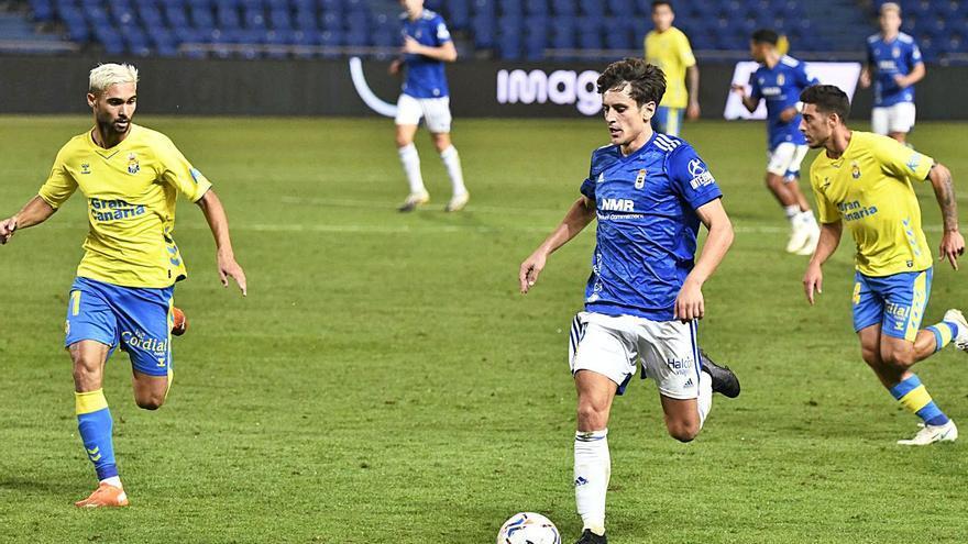 El Oviedo reacciona, gana con claridad y sale del descenso