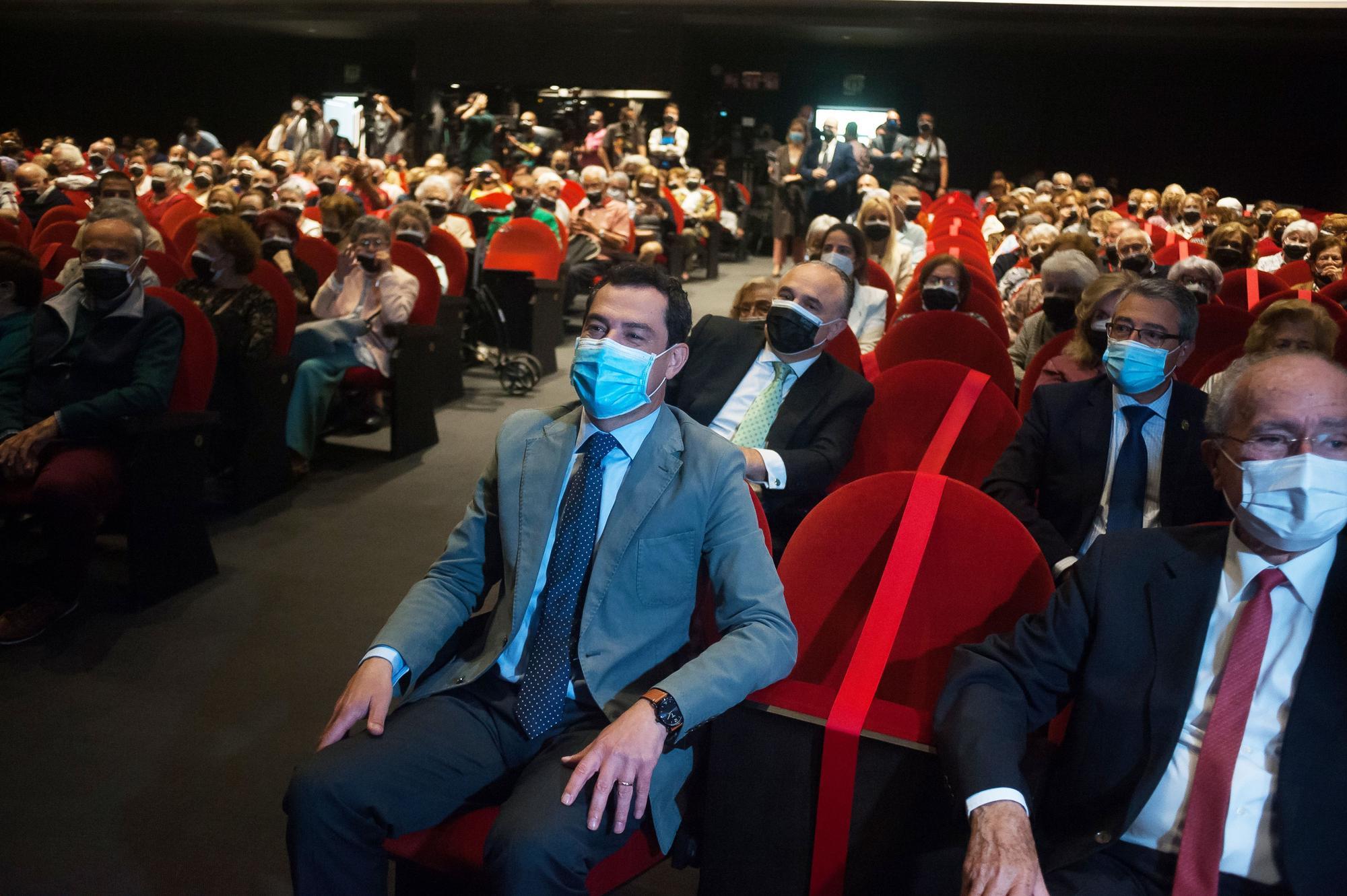 Aplauso de Antonio Banderas a los mayores de Málaga