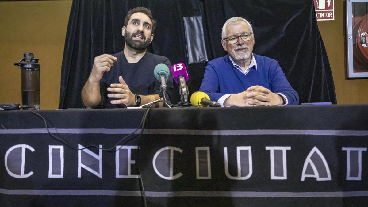 Javier Pachón (li.) und sein Mitstreiter Rafa Goberna bei der Präsentation der Crowdfunding-Kampagne