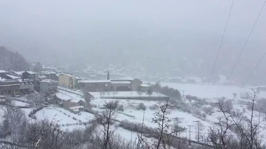 Más nieve en San Martín de Castañeda