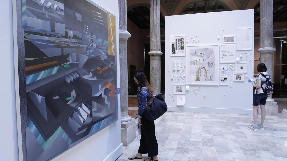Una de las exposiciones en el Palacio de Sástago.
