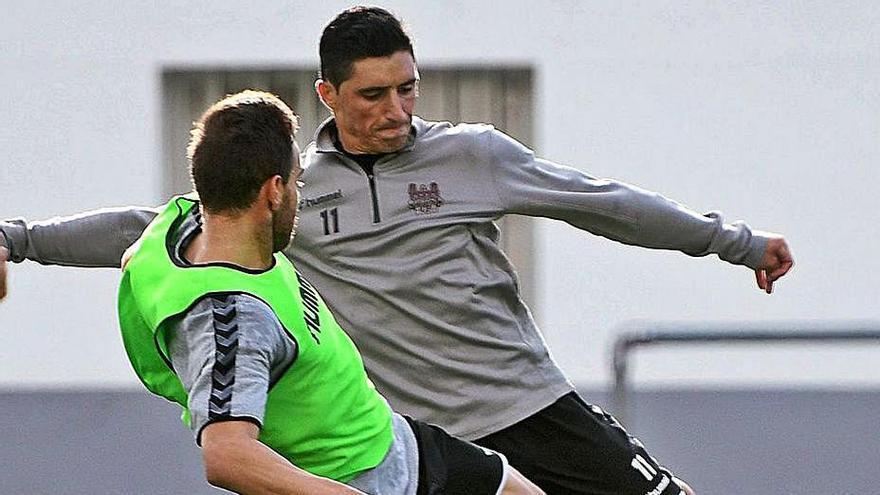 Jorge Fernández, baja para Gijón al lesionarse en el entrenamiento