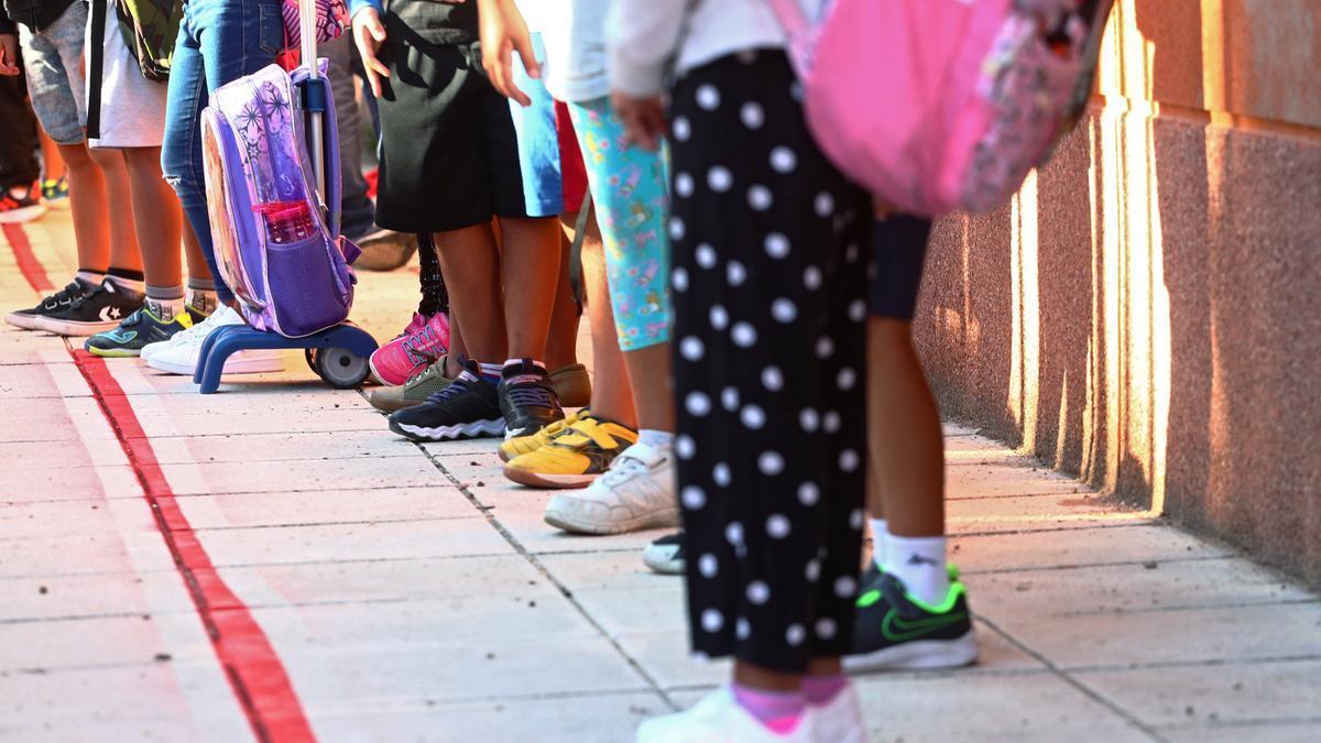 Las medidas adoptadas en los centros educativos por la pandemia restan asistencia a los alumnos con necesidades especiales.