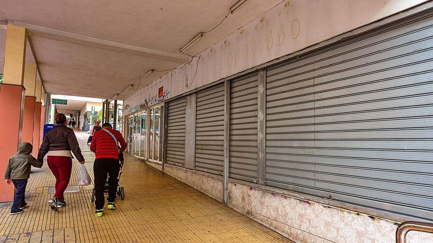 200 comercios bajan la persiana este mes en Benidorm por la falta de clientes