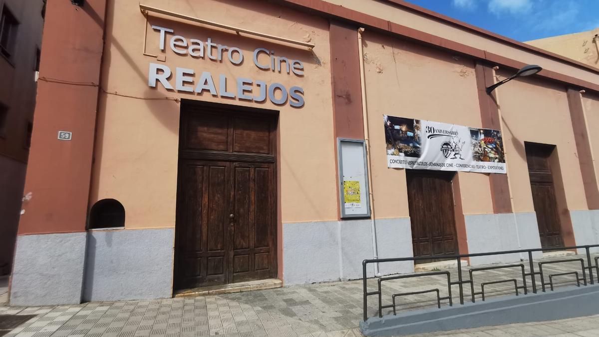 Fachada del Teatro Cine Realejos