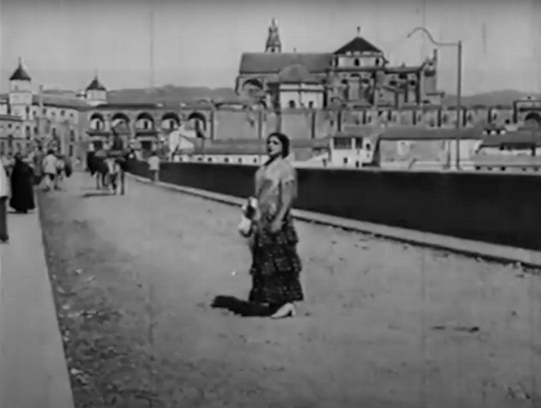 1922 Fotograma de la película muda rodada en la ciudad Carceleras.