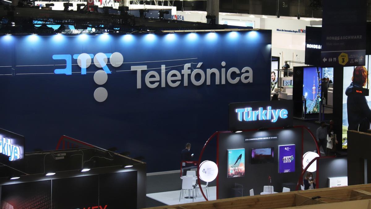 Estand de Telefónica al Hall 3 de Fira de Barcelona de Gran Via en ple Mobile World Congress