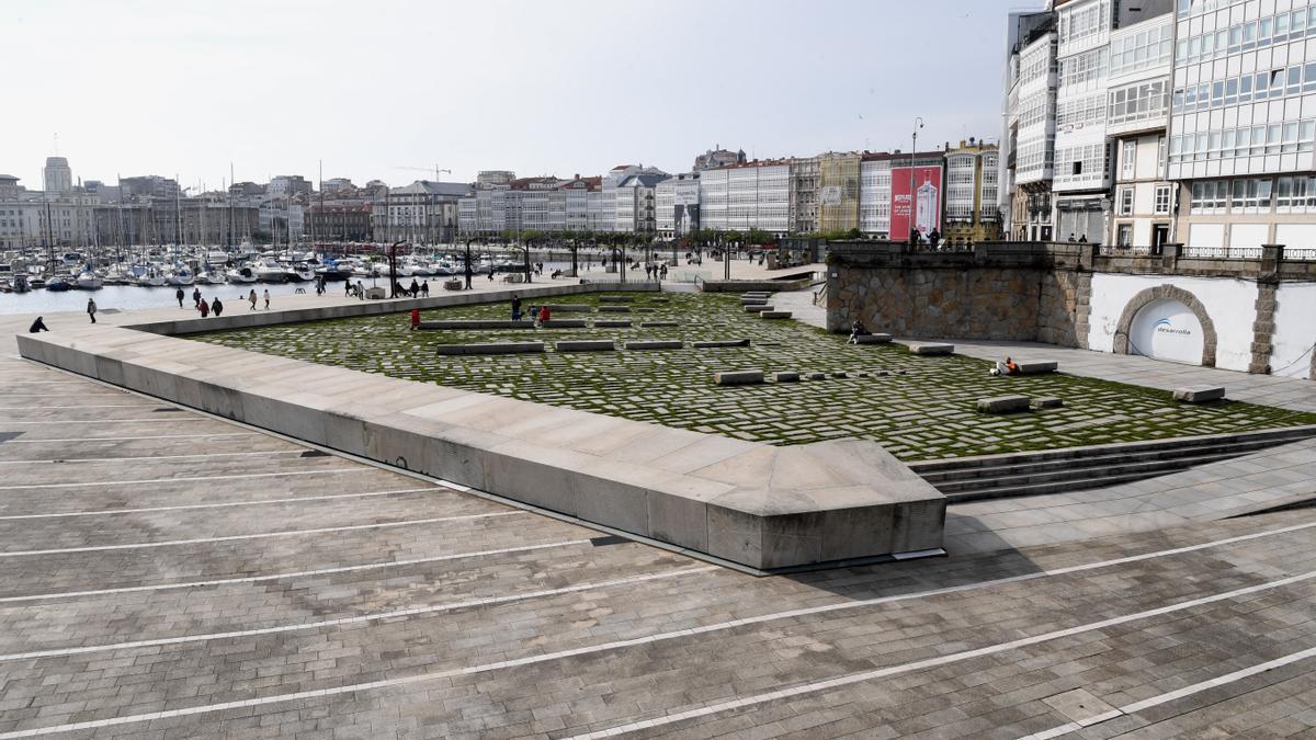 La Marina de A Coruña, un día primaveral.