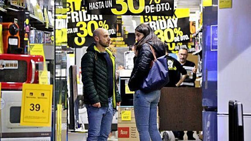 Els espanyols gastaran  una mitjana de 268 euros en regals per Nadal i Reis