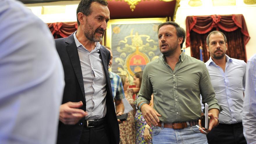 El PP acusa al alcalde de Elche de dejarles dos semanas sin funcionario de empleo