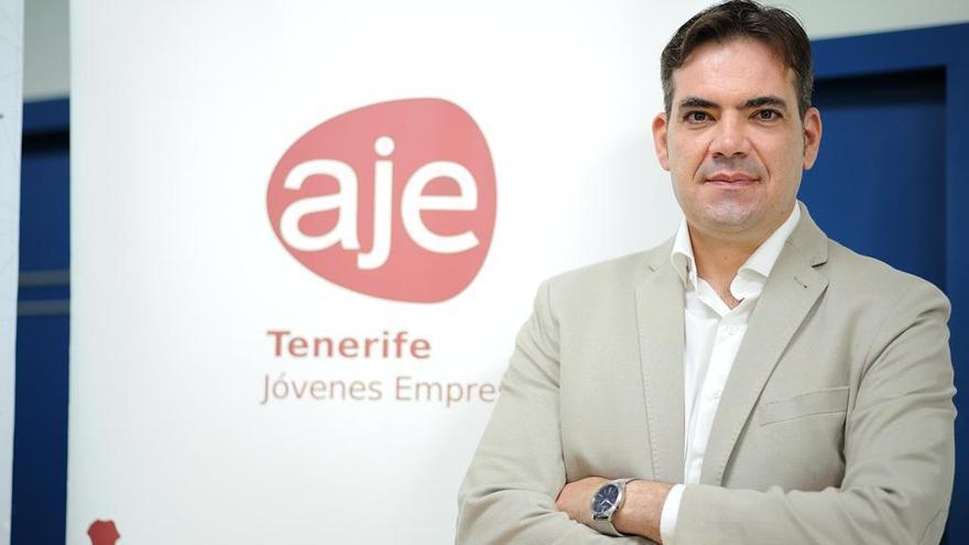 """Abraham Guzmán: """"Esta recuperación económica nos costará mucho esfuerzo, trabajo y sacrificio a los jóvenes"""""""