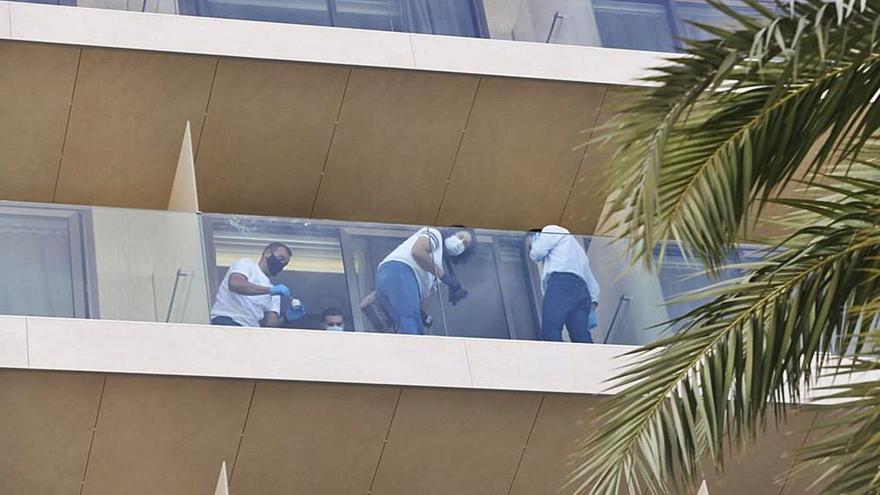 Investigan como crimen machista la muerte de la pareja que se precipitó de un balcón en Ibiza