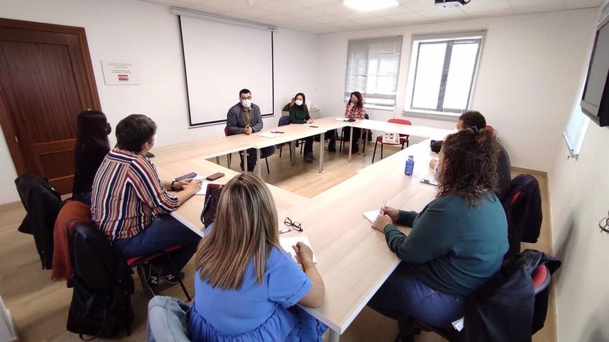 Adelante reclama la mejora de las condiciones laborales de las trabajadoras del Servicio de Ayuda a Domicilio