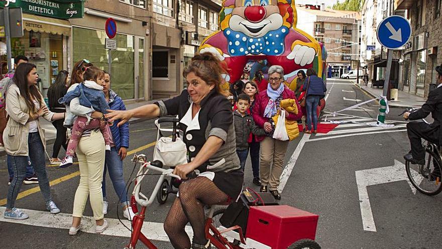 AED y CCA organizan una Festa do Comercio este viernes en Lalín