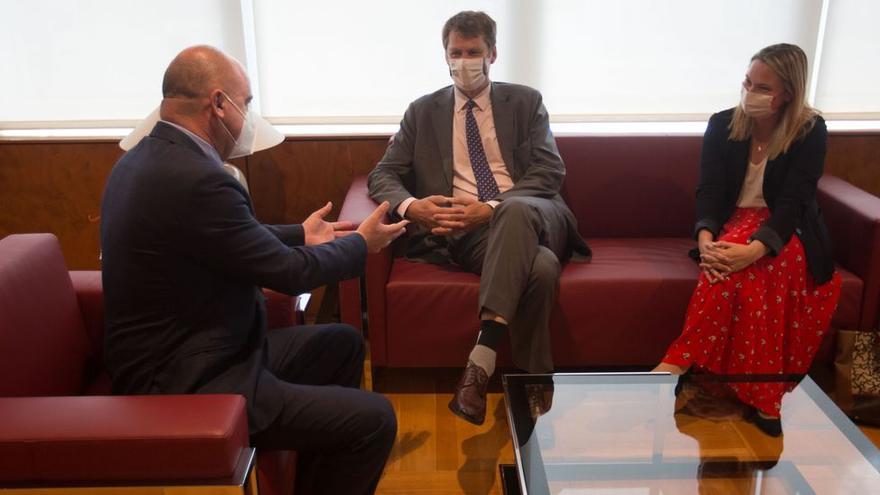 """El embajador británico no garantiza """"hoy por hoy"""" un trato diferenciado en turismo para Baleares"""