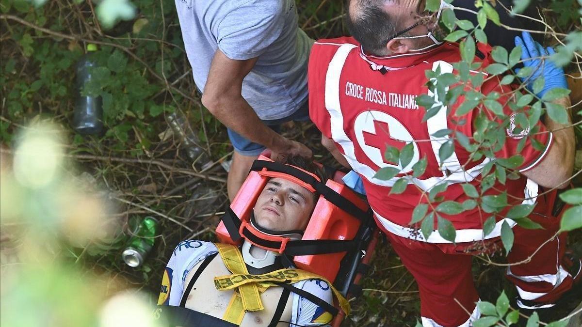 Gravísima caída de Evenepoel en Lombardía