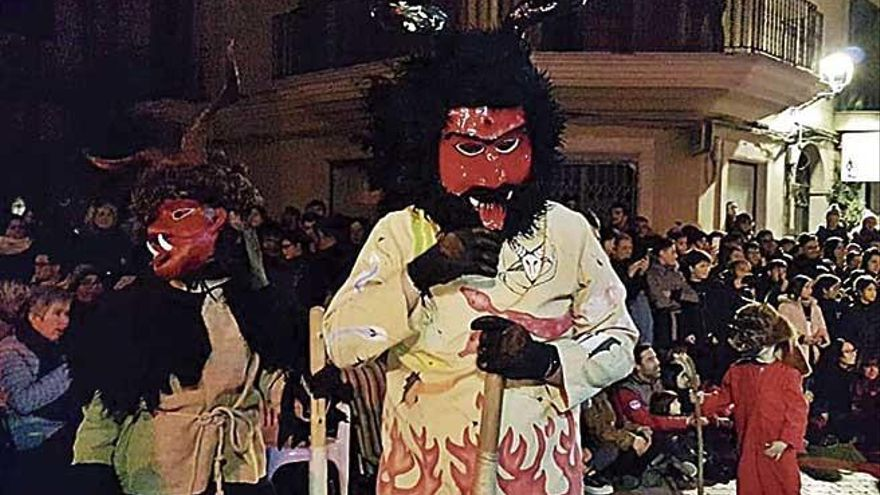 'Trobada de collas' de Dimonis en Manacor