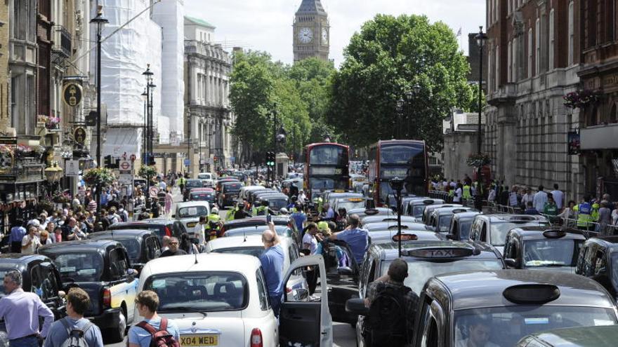 Protesta de los taxistas en Londres.