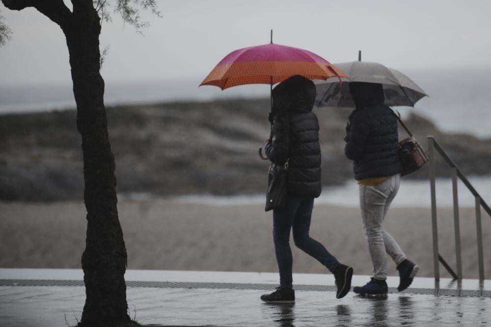 El litoral de A Coruña y Pontevedra están en alerta naranja.