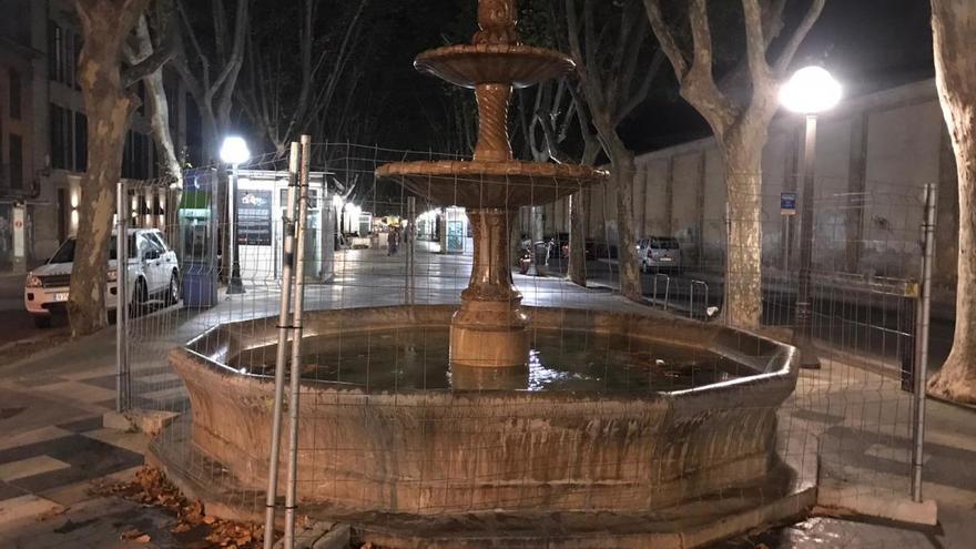 La fuente de la Rambla, vallada ante el posible ascenso del Atlético Baleares