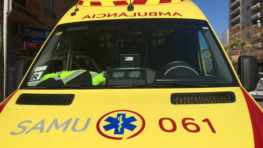 Una motorista, grave tras perder el control en la rotonda de Aqualand de s'Arenal