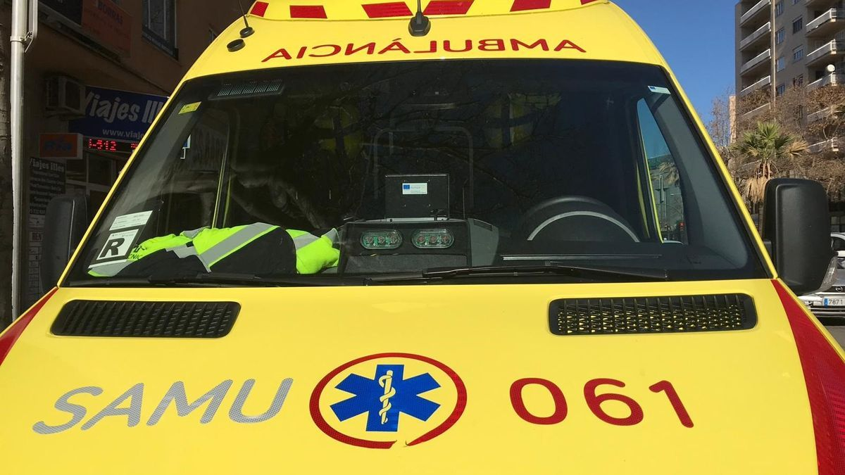 Imagen de recurso de una ambulancia del SAMU 061.