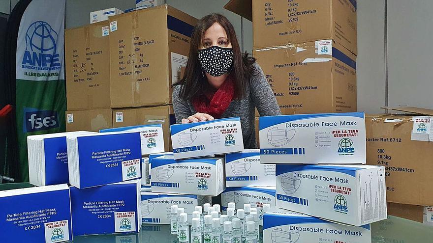 ANPE reparte material sanitario en varios colegios de Palma e Inca