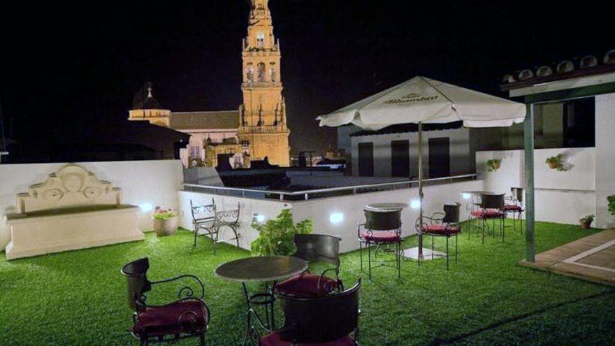 La firma Mazabi formaliza la compra de un hotel de dos estrellas en Córdoba