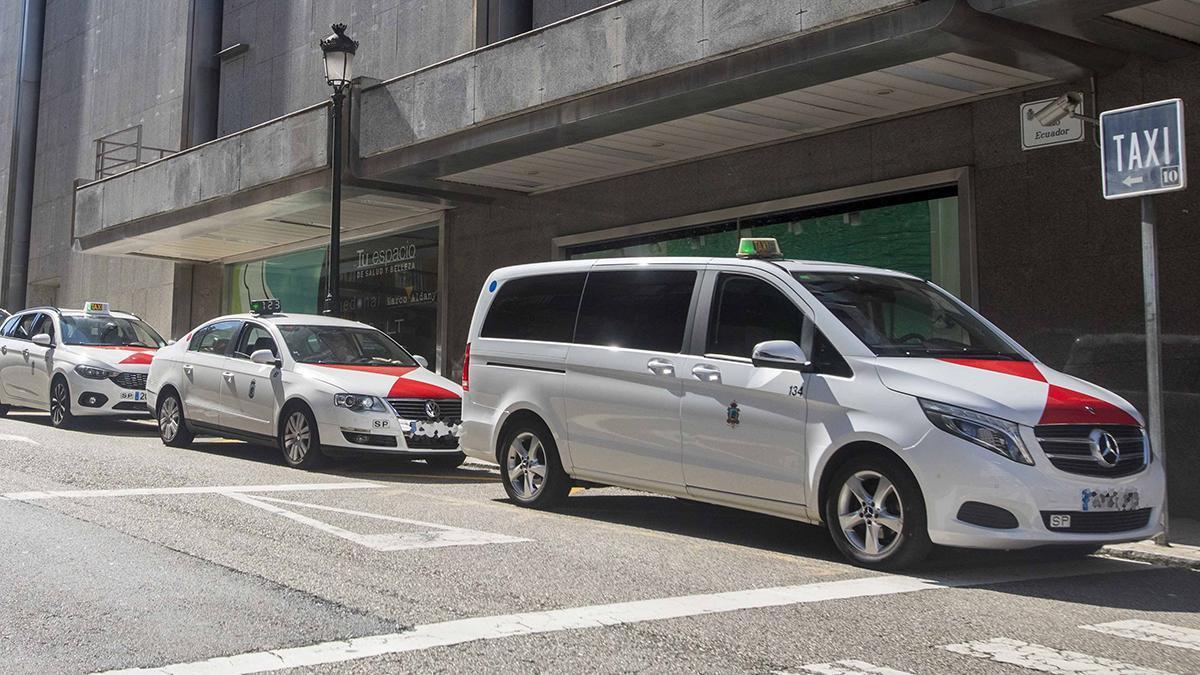 Una parada de taxis en Vigo (archivo)