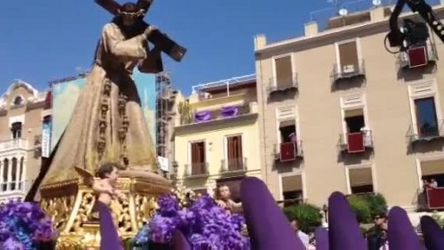 La procesión de 'Los Salzillos' a su paso por la Catedral de Murcia