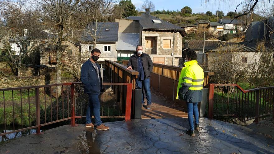 Rihonor de Castilla ya luce su nueva pasarela peatonal