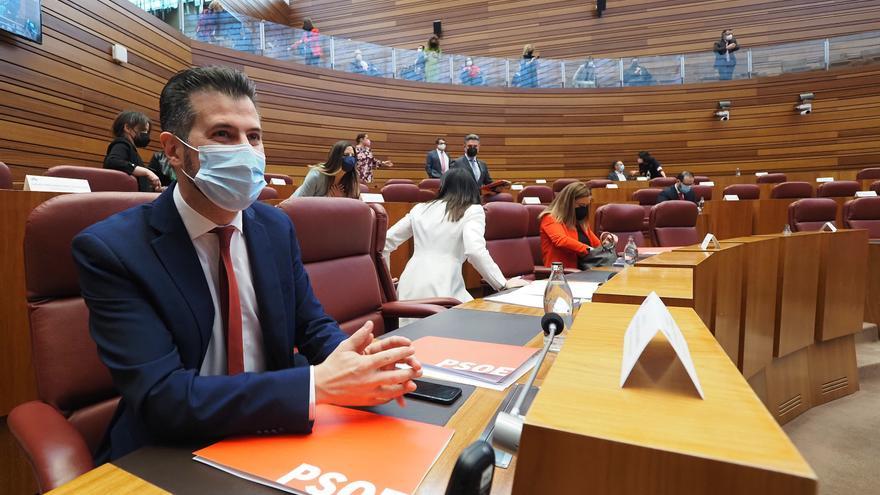 """Tudanca justifica la moción por """"la soberbia e indolencia"""" de la Junta: """"Ya lo habían roto casi todo cuando llegó la pandemia"""""""
