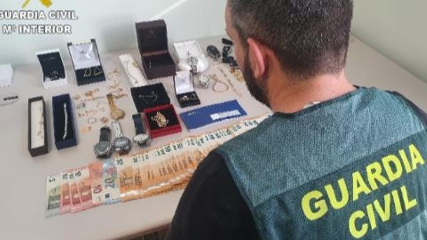 Desarticulan en la Safor una banda vinculada con la mafia calabresa que estafó 5.000 toneladas de cítricos a agricultores valencianos