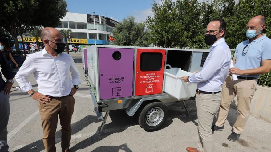 Mercadillos de Elche tendrán desde el lunes puntos para reciclar móviles, bombillas y otros desechos