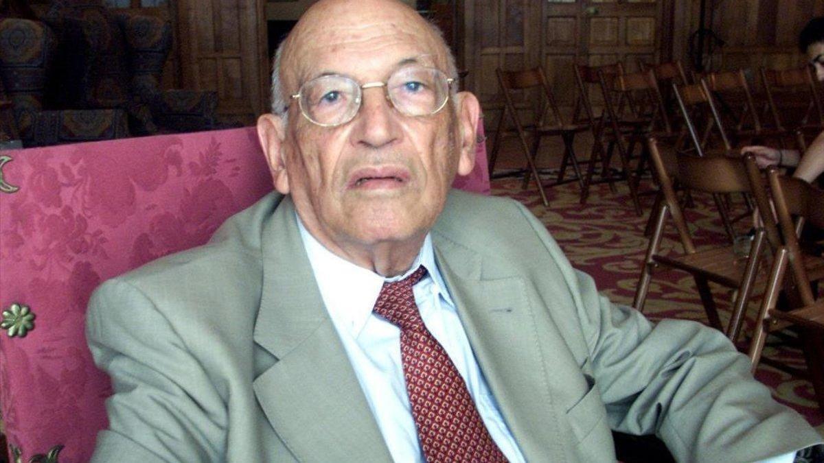 Fallece el filólogo clásico y académico de la RAE Rodríguez Adrados