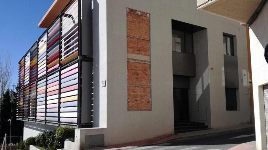 Compromís urge al Ayuntamiento a adquirir el edificio para el centro de día