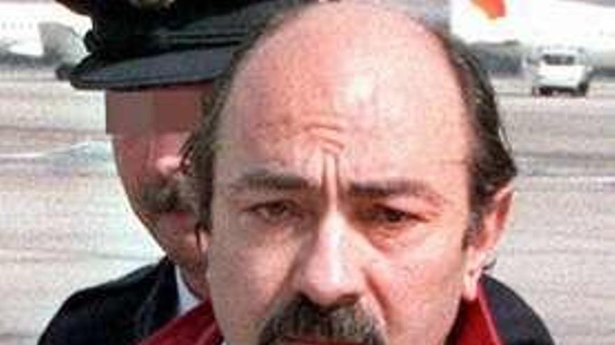 El etarra vigués Caride Simón, autor del atentado de Hipercor, sale de prisión