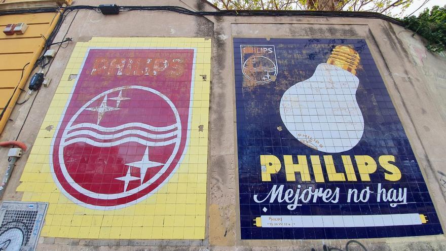 El PP advierte del mal estado de los paneles cerámicos de Blanquerías