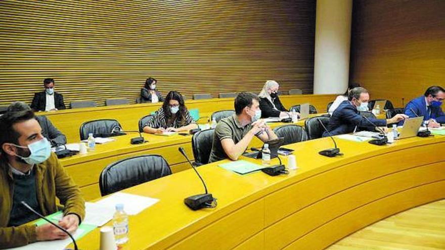 Las Cortes buscan un acuerdo técnico y político sobre la quita de la deuda