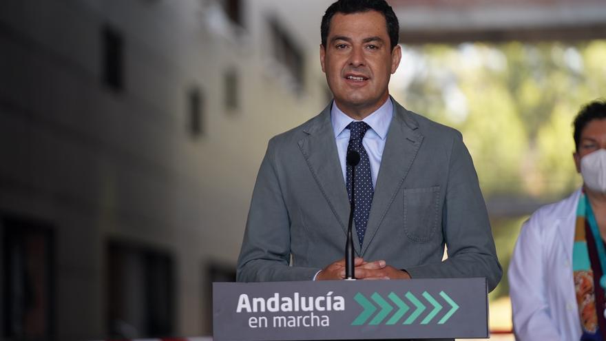 """Moreno avisa al Gobierno: """"Si no se toma una decisión rápida sobre AstraZeneca, lo hará Andalucía"""""""