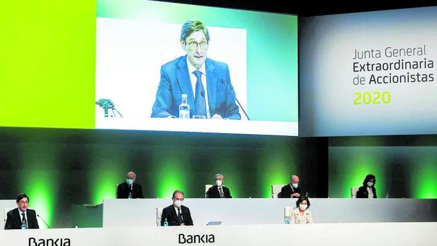 Bankia destaca los beneficios de la fusión con CaixaBank para sus accionistas