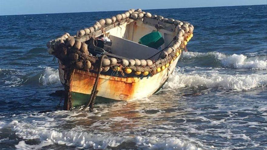 Detienen a cinco personas como patrones de dos pateras que arribaron a las costas de Gran Canaria y Lanzarote