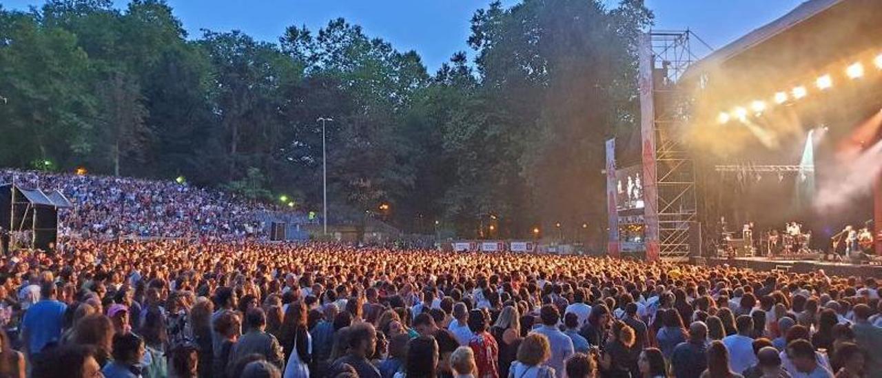 Público asistente al concierto de Xoel López en Castrelos en 2019.   | // MARTA G. BREA